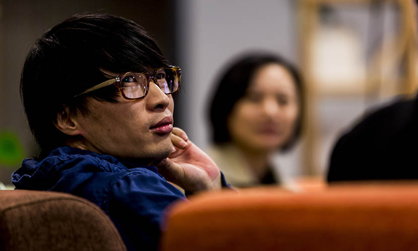 Editor of Esquire's Chinese edition Li Haipeng attends the launch of a friend's book in Beijing, Oct. 28, 2012.  VCG